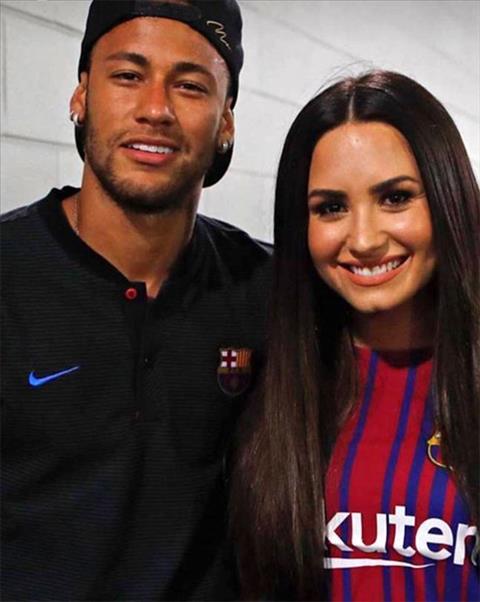 Lo anh tien dao Neymar hen ho voi ca si Demi Lovato hinh anh 2