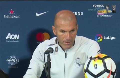 Thua El Clasico, Zidane van tang boc cac hoc tro hinh anh 2