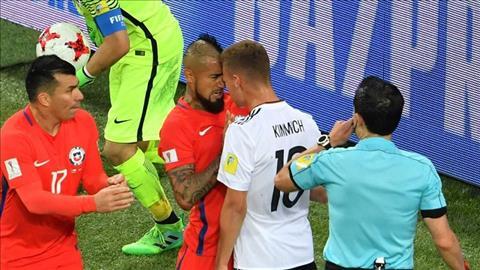 Vidal len tieng ve vu xo xat voi dong doi Bayern Munich hinh anh