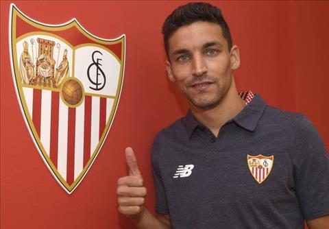 Tien ve Jesus Navas CHINH THUC roi Man City de tro ve Sevilla hinh anh