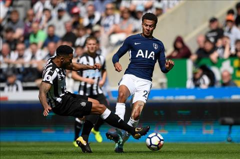 Du am Newcastle 0-2 Tottenham Co benh vai tu phuong hinh anh 2