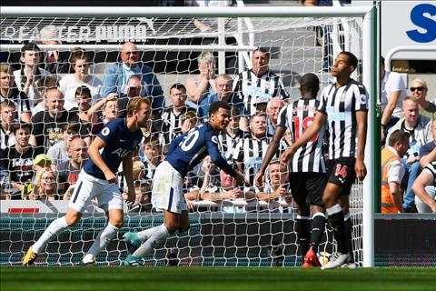Du am Newcastle 0-2 Tottenham Co benh vai tu phuong hinh anh 4