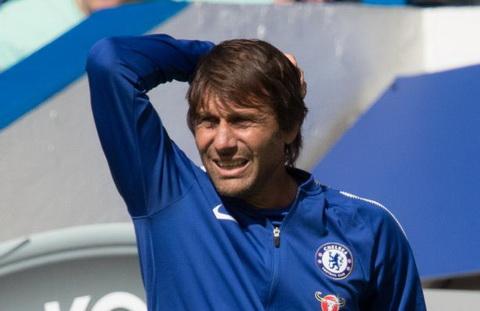 HLV Antonio Conte can giai quyet rat nhieu van de voi Chelsea trong mua giai moi.