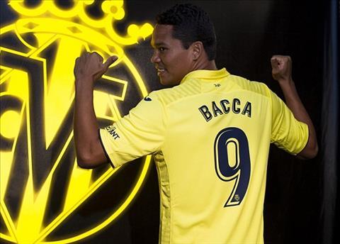 Carlos Bacca CHINH THUC chia tay AC Milan de tro ve La Liga hinh anh