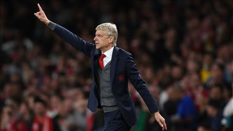 Wenger tiet lo cach mua cau thu cua Arsenal hinh anh