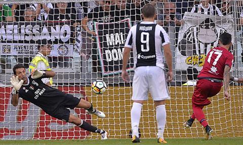 Juventus 3-0 Cagliari Khai man tung bung hinh anh