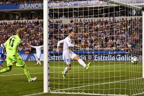 Deportivo 0-3 Real Khi Bale gian tiep bao tin buon cho MU… hinh anh 2