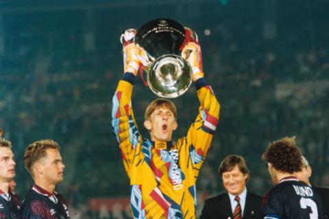 Van der Sar:Bac thay cua tu duy Cruyff o vi tri gac den3