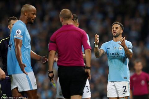 Man City 1-1 Everton Mat nguoi trong ca hiep 2, Man xanh danh cua diem tren san nha hinh anh 2