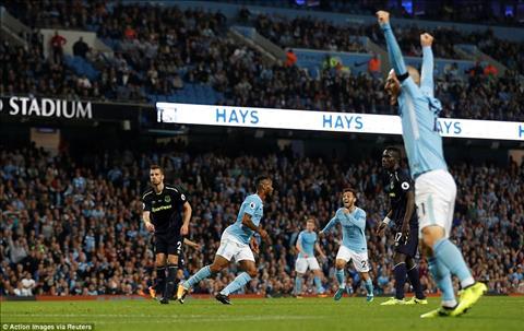 Man City 1-1 Everton Mat nguoi trong ca hiep 2, Man xanh danh cua diem tren san nha hinh anh 3