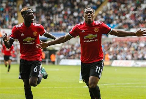 Anthony Martial tiep tuc ghi diem trong mat NHM hinh anh