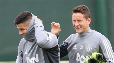 Man United tiep tuc don tin vui tu tru cot hinh anh