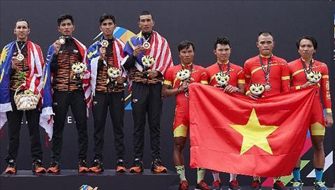 VDV xe dap Malaysia  di tat de cuop HCV Sea Games 29 hinh anh