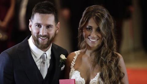 Vo chong Lionel Messi cho mong dua con thu ba chao doi hinh anh