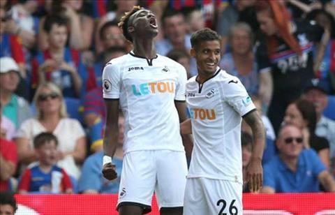 Tong hop Crystal Palace 0-2 Swansea (Vong 3 NHA 201718) hinh anh