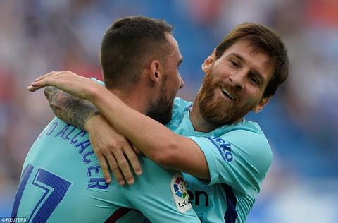 Lionel Messi la cau thu dau tien ghi 350 ban tai La Liga.