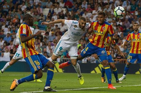Nhung thong ke an tuong sau tran dau Real 2-2 Valencia hinh anh
