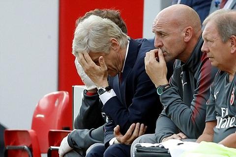 Wenger dang tu tay huy hoai di san Arsenal cua minh hinh anh