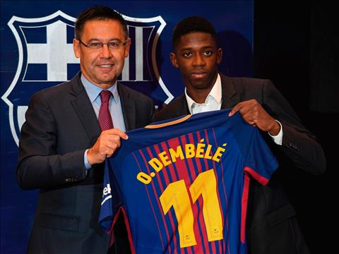 Wenger chi trich Barcelona pha gia vu Dembele hinh anh