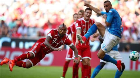 Tong hop Bayern Munich 0-2 Napoli (Giao huu) hinh anh