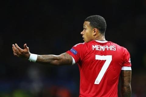 Tiền đạo Memphis Depay của Lyon muốn trở lại Anh đối đầu MU hình ảnh