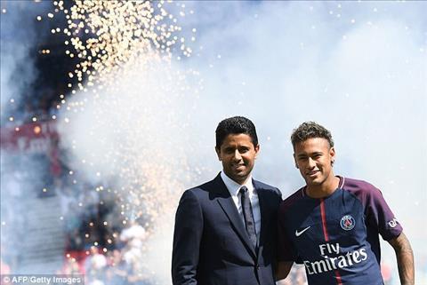 Neymar ra mat PSG