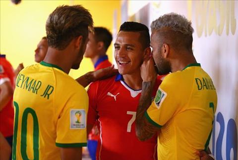 Neymar va Alves muon tien dao Alexis Sanchez den PSG hinh anh 2