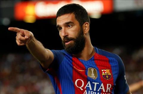 Tiền vệ Arda Turan của Barca bị kết án từ gần 3 năm vì tội hành hung hình ảnh