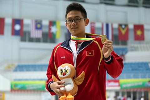 Quang Nhat chinh thuc bo thi dau noi bo, co the vang mat o Sea Games 29 hinh anh