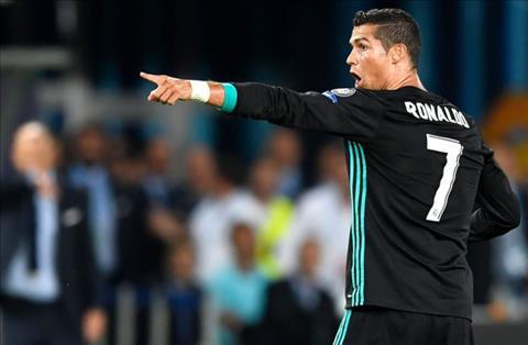Bo mac an treo gio, Ronaldo van ra san cho Real hinh anh
