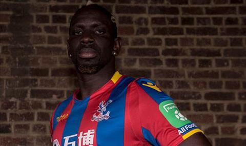 Liverpool ban trung ve Mamadou Sakho cho Crystal Palace hinh anh 2