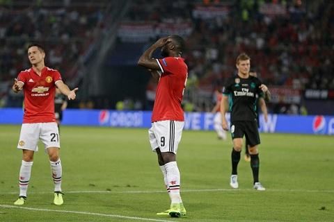 Tien dao Zlatan Ibrahimovic se khien Lukaku phai du bi hinh anh