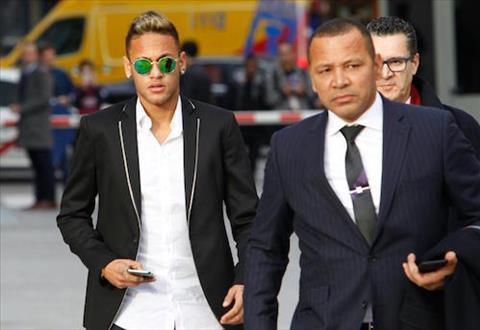 Bo Neymar van cua do cuu sieu mau Playboy hinh anh 2