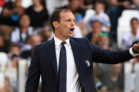 HLV Juventus tiet lo cach doi pho voi Barcelona hinh anh
