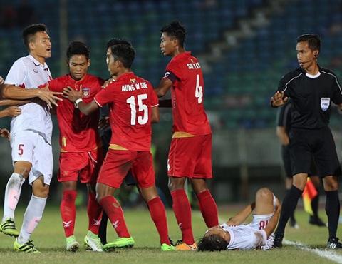 U18 Viet Nam guc nga o U18 Dong Nam A 2017 Chet vi bong chet hinh anh 4