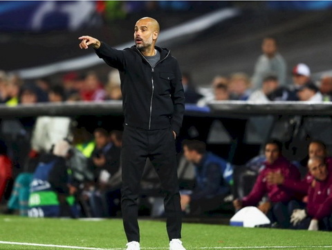 Pep Guardiola khong qua vui mung du Man City khoi dau suon se.