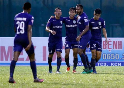 Tong hop Binh Duong 2-0 Ha Noi (Vong 18 V-League 2017) hinh anh