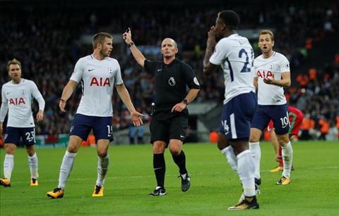 Tiep tuc bi am o Wembley, HLV Tottenham do tai trong tai hinh anh