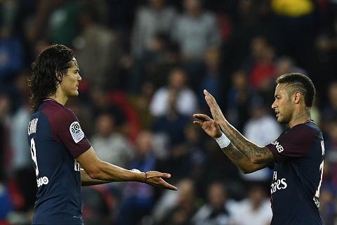Neymar yeu cau ban Cavani