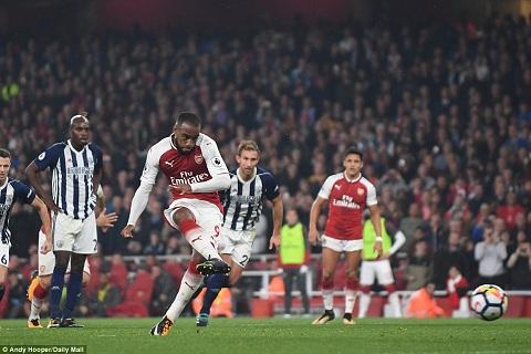 Tien dao Alexandre Lacazette den Arsenal vi Sanchez hinh anh 2