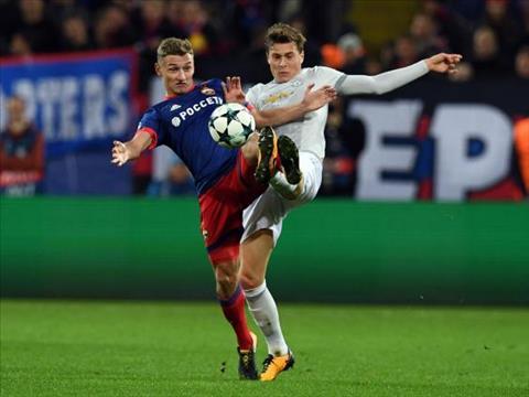 Lindelof len tieng ve moi quan he voi Mourinho hinh anh