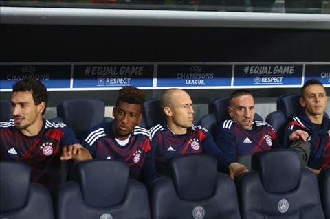 Robben noi gi sau khi bi Ancelotti phu phang o tran voi PSG hinh anh