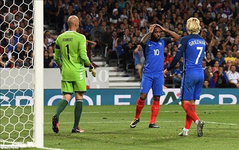 Phap 0-0 Luxembourg Con dia chan tren xu luc lang hinh anh