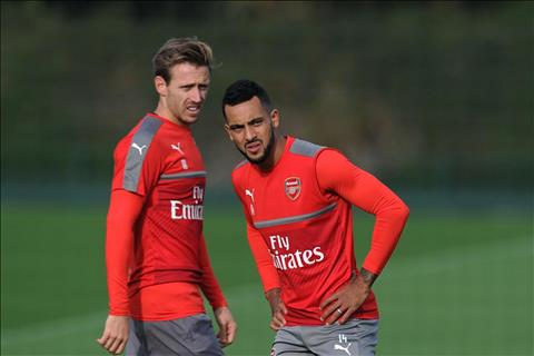 Chuyen nhuong Arsenal len ke hoach giu chan 4 cau thu hinh anh