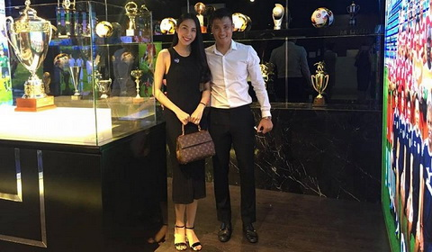 Chu tich Le Cong Vinh trong phong truyen thong CLB TP.HCM.