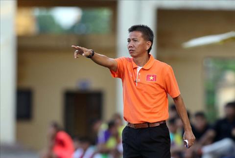 HLV Hoang Anh Tuan mang te tat hoc tro sau tran thua U21 Ha Noi hinh anh