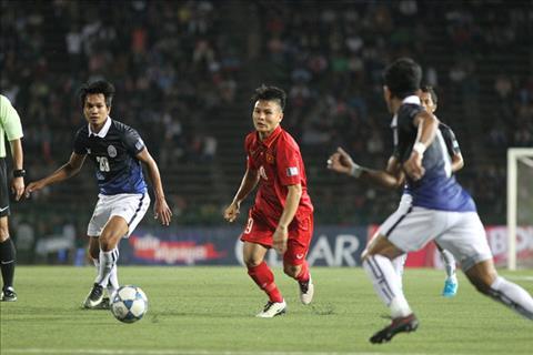 Quang Hai vs Campuchia