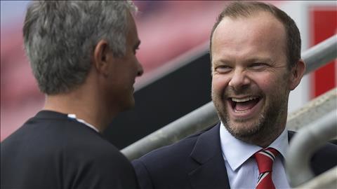 Sep lon Man Utd chinh thuc co chan trong UEFA hinh anh