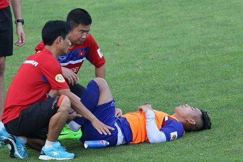 Vu Van Thanh dang gap phai mot chan thuong