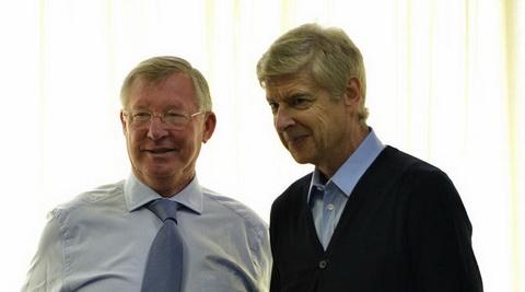 Arsene Wenger vuot qua ky luc cua Sir Alex Ferguson.